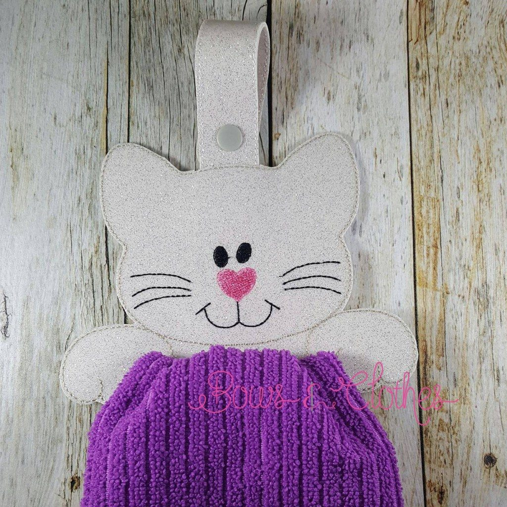 Cat Towel Topper Ith Bows And Clothes