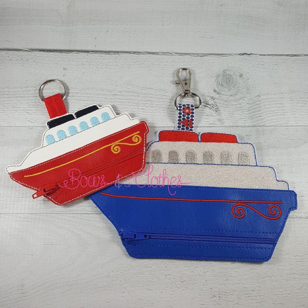 Cruise Ship Vinyl Zipper Purse Bows And Clothes
